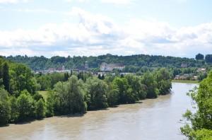 Blick von der Innbrücke auf Wasserburg