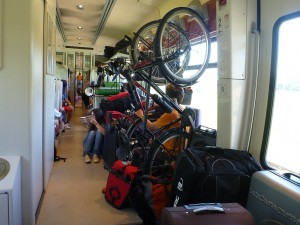 Mit Fahrrädern im Zug