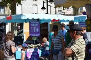 Kleidermarkt in Périgueux