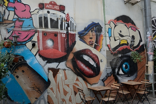 Graffiti in Beyoglu