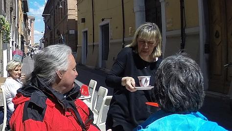 Im Straßencafé