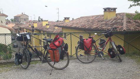 Über den Dächern von Valeggio